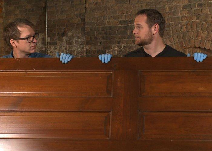 cum sa reconditionezi o usa veche din lemn